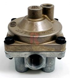 "3/4"" RESERVOIR PORT SERVICE RELAY VALVE, 1.5 PSI"